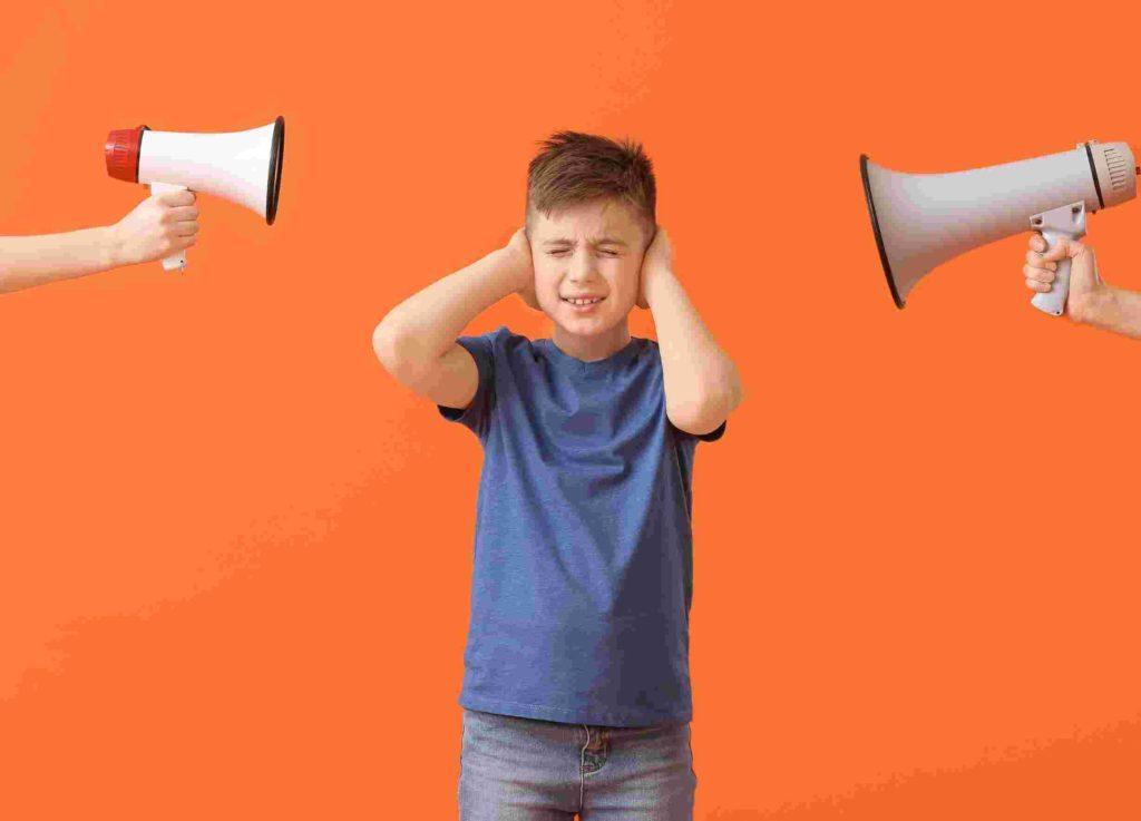 hipersensibilidad al ruido. Problemas visuales infantiles